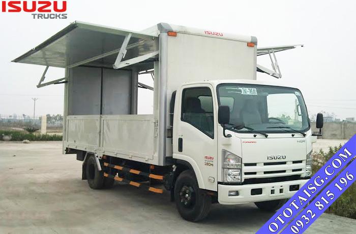 Xe tải ISUZU 1.9 tấn đóng thùng cánh dơi bán hàng lưu động tại Ô TÔ TẢI SÀI GÒN-ototaisg.com
