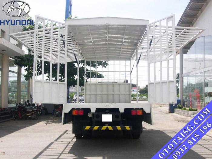 Xe tải Hyundai mui bạt đóng thùng cánh dơi bán hàng lưu động-ototaisg.com