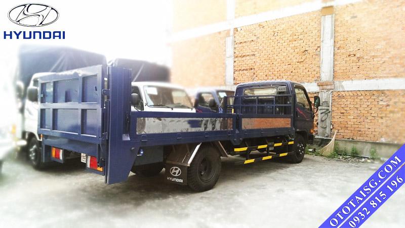 Xe tải thùng lửng gắn bửng nâng trả góp-ototaisg.com