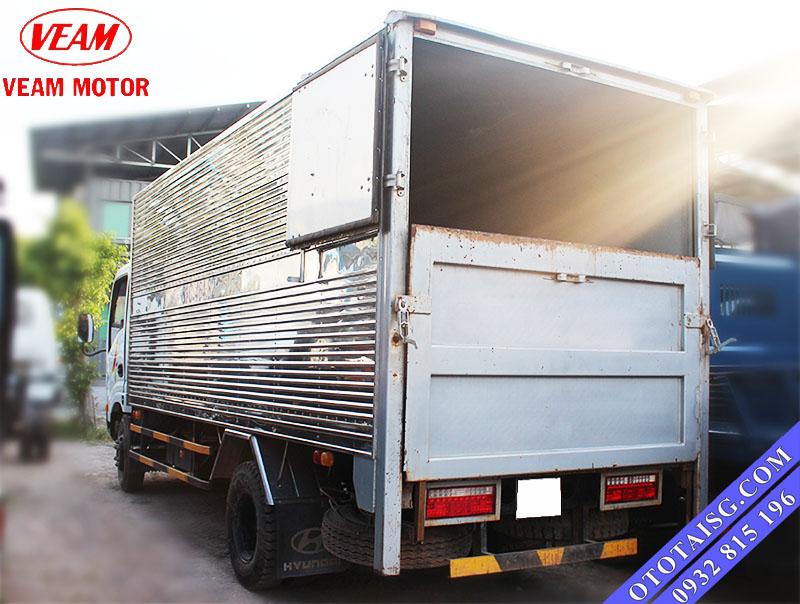 Xe tải Veam thùng kín gắn bàn nâng hạ-ototaisg.com